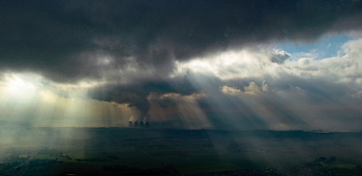 Pilots-View-of-Rain-Clearing-Over-Drax_et