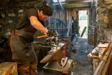 JD-Blacksmith-at-work_et